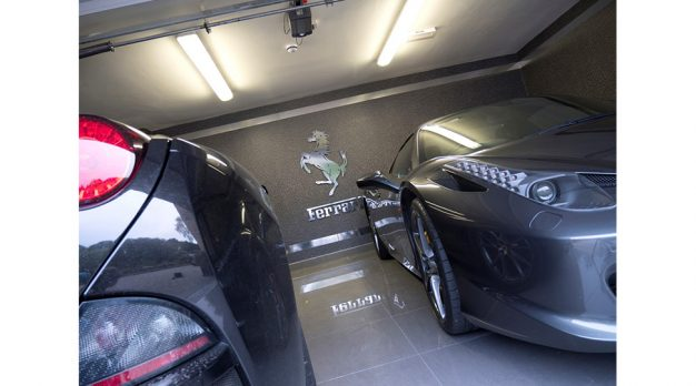 private-garage-graphics