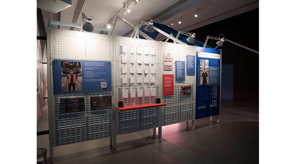 exhibition-graphics