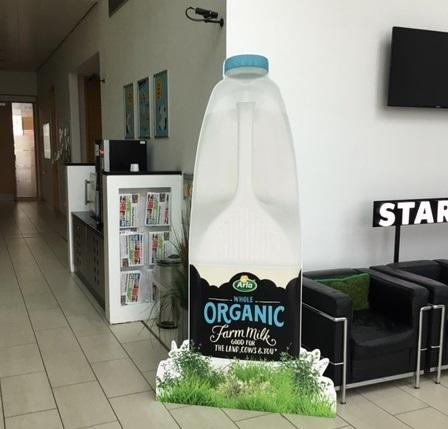 cardboard-stand-milk-bottle